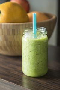 kiwi-kokoswasser-smoothie